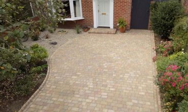 R-and-M-Paving-Services-